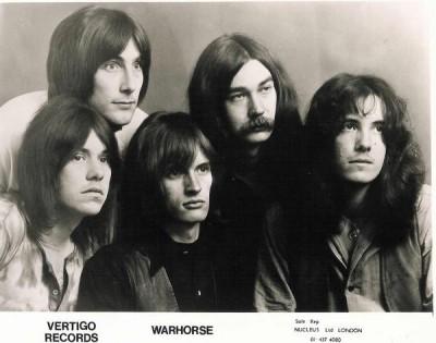 WARHORSE> Od lewej:Ashley Holt, Mac Poole, Ged Peck, Frank Wilson, Nic Simper.