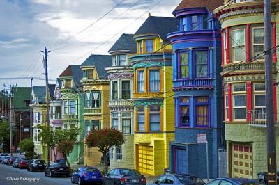 Haight-Ashbury i wiktoriańskie kolorowe domy.